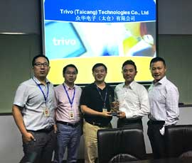 Digi-Key-Electronics-receiving-the-award-from-Trivo-