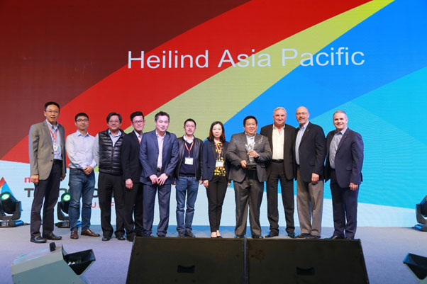 David Ho, VP of Molex APS Sales & Marketing (Left); Alan Chuah, Head of Marketing of Heilind Asia (Fourth Right); Martin Kent, President of Heilind Asia Pacific and Europe (Third Right); Fred Bell, VP of Molex Global Distribution (Second Right); Aldo Lopez, President of Molex Global Sales & Marketing (Right); Collins, Peter, Alric, Jason, Forlers, Karen, Alan, and Martin (From Second Left to Third Right ) Received the Award on Behalf of Heilind Electronics.