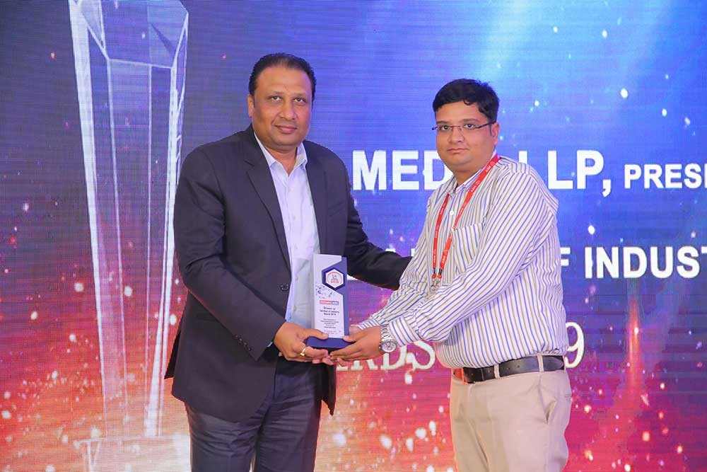 Krishankant Soni received the award on behalf of Heilind Asia